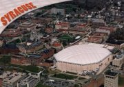 Syracuse Universität mit Carrier Dome
