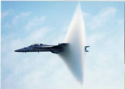 Jet flies through the sound barrier (New York / USA)